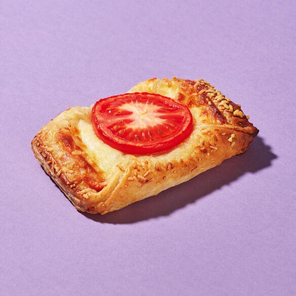 Mozzarella & Tomato Croissant